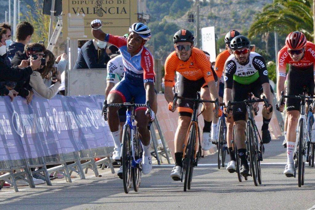 Lorrenzo Manzin ganó la Clásica de la Comunidad Valenciana (Vicent Bravo)