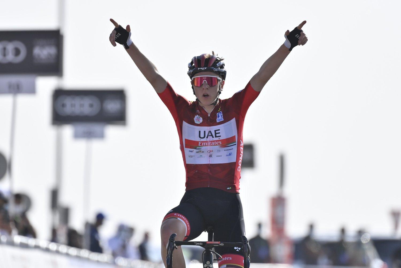 Tadej Pogacar ganó la tercera etapa del UAE Tour 2021 (UAE Tour).