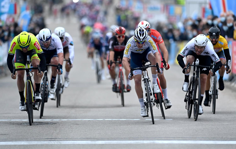 Timothy Dupont ganó la segunda etapa de la Estrella de Bessèges (Bingoal WB)
