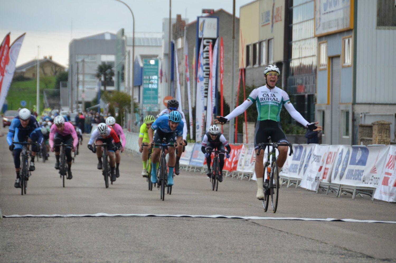 Andoni López de Abetxuko ganó en Astillero (Carmen del Campo).