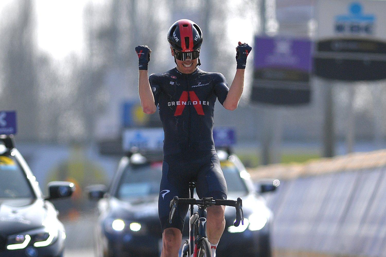 Dylan Van Baarle ganó A Través de Flandes 2021 (Getty Images).