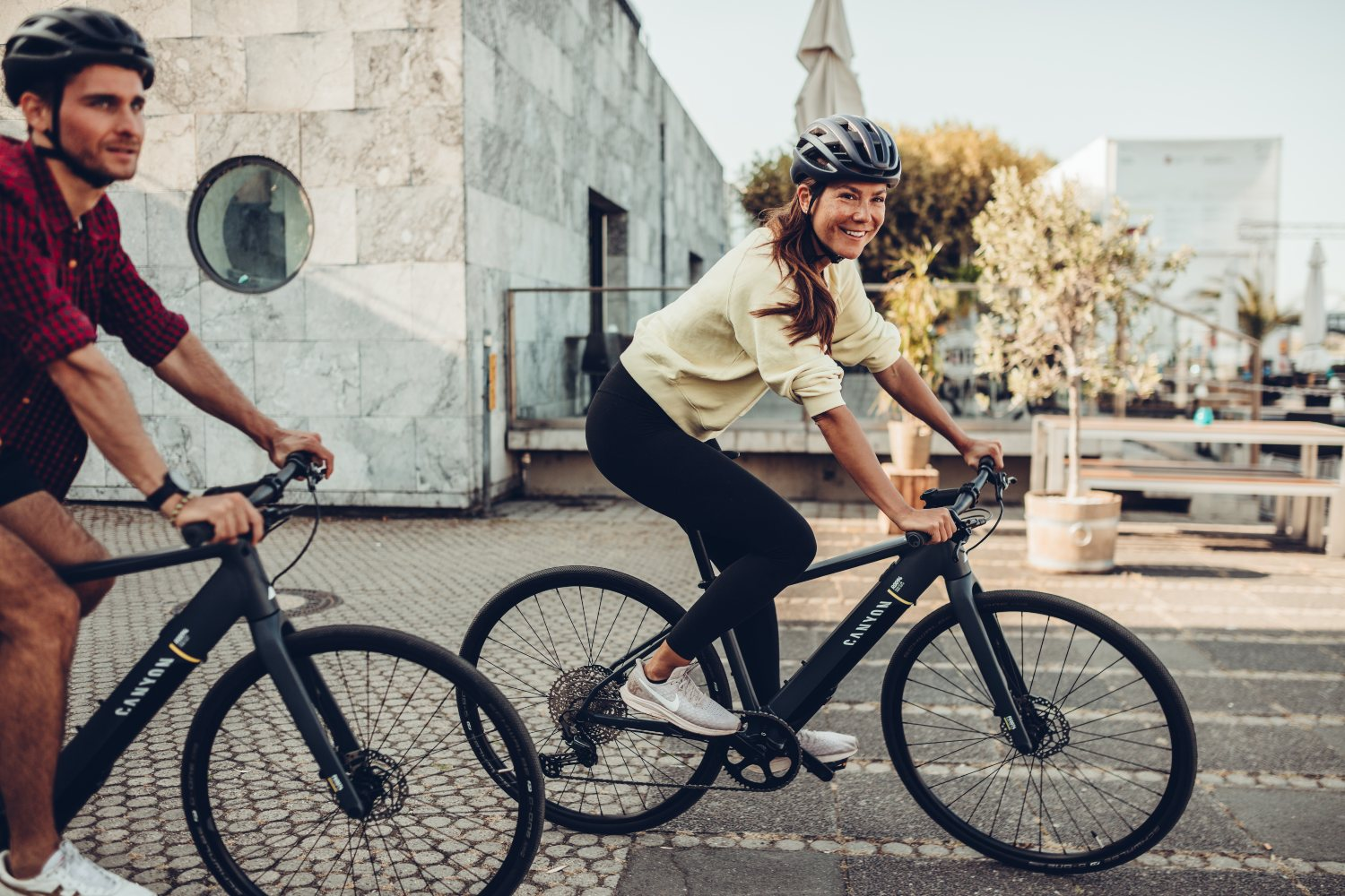 Canyon presenta la versión de 2021 de su e-bike híbrida, la Roadlite:ON