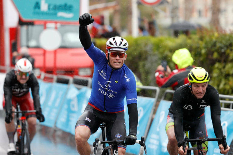 Arnaud Démare ganó la segunda etapa de la Vuelta a la Comunidad Valenciana 2021.