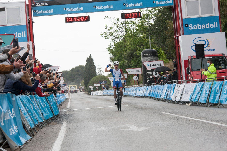 Miles Scotson ganó la primera etapa de la  Vuelta a la Comunidad Valenciana 2021