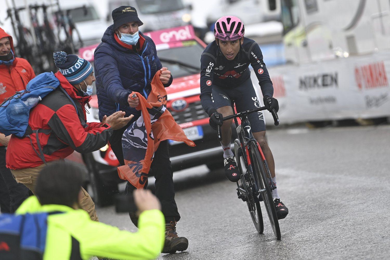 Egan Bernal no estará en el Tour de Francia 2021 y podría estar en La Vuelta (LaPresse).
